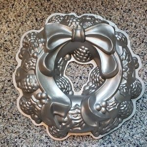 Nordic Ware Wreath Bundt Pan